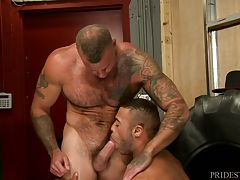 Sean Duran sits with us exclusively revealing intimate details about the scene he just finished with Micah. Sean hasn`t seen Micah in a few years and was really excited to finally meet up with him again and able to have some amazing fucking. Sean talks ab