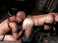 James plows his big raw cock deep inside Jay`s eager ass in three positions until Jay cannot hold back anymore and shoots his load all over himself.