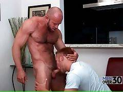 Steven Ponce attacks his muscled boyfriend Matthew Stevens on his way to the shower.