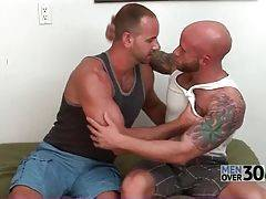 Drake Jayden Gives Girth Brooks Good Blowjob 1